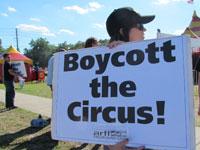 Cole-Bros-protest3